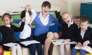 外国人の語学教師に日本で働いてもらう・雇用するためのビザ取得方法